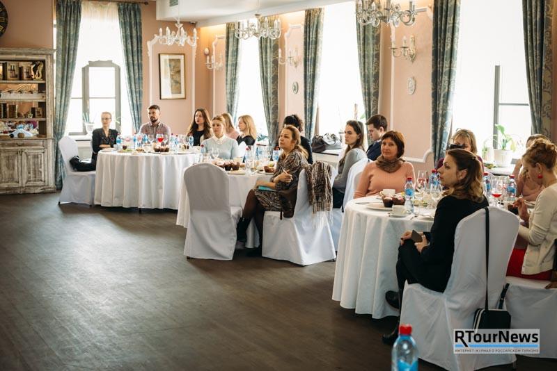 ANEX Tour и JA Resorts & Hotels поздравили турагентов с 8 марта