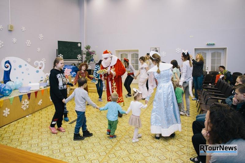 Турбизнес провел благотворительный утренник в Детском отделении Токсовской больницы
