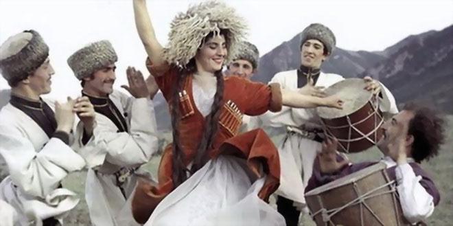 «Россия» соединяет Санкт-Петербург и Махачкалу 1
