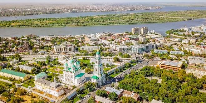 «Россия» открывает рейсы Петербург - Астрахань 1