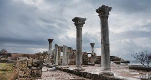 В списке ЮНЕСКО: Херсонес Таврический, Новодевичий монастырь, Ленские столбы 3