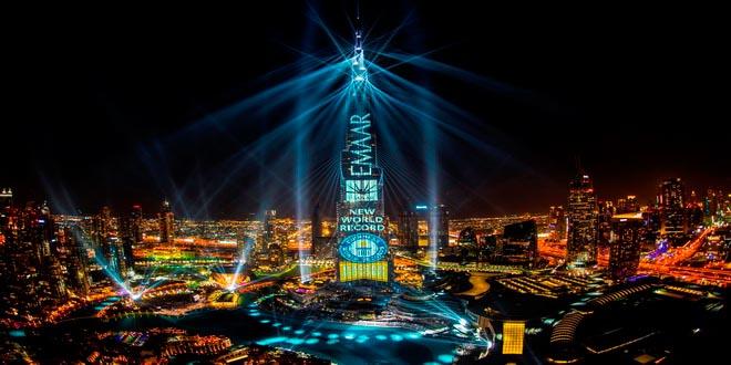 """В Дубае продлены показы лазерного шоу """"Light Up 2018"""", попавшего в Книгу рекордов Гиннесса 1"""