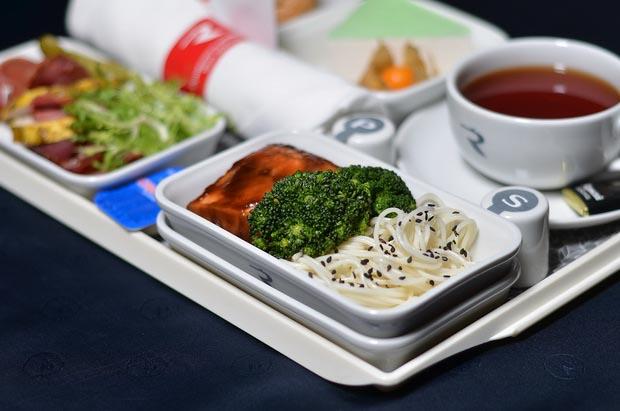 «Россия» обновила питание на рейсах из Санкт-Петербурга 15
