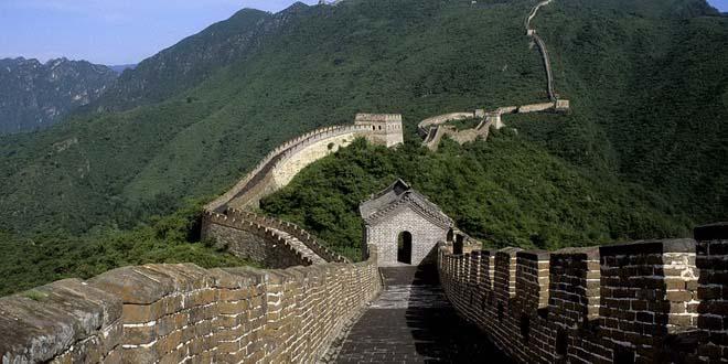 Власти Китая ограничили доступ туристов на Великую Китайскую стену
