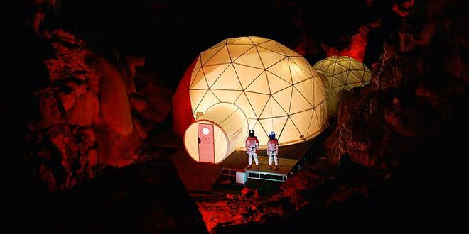 Есть ли жизнь на Марсе? Съездите в Испанию и узнайте!