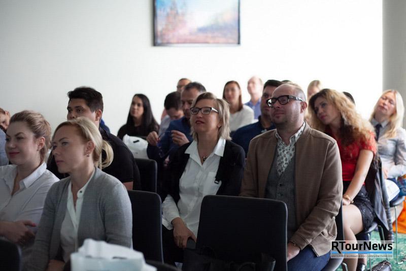 «Библио-Глобус» и Министерство по туризму Республики Кипр по-дружески открыли летний сезон