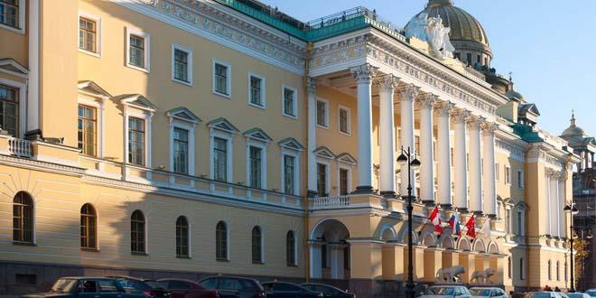 Пятизвездочные отели Санкт-Петербурга – одни из наиболее дорогих в России 1