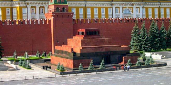 Самые переоцененные достопримечательности Москвы и Санкт-Петербурга