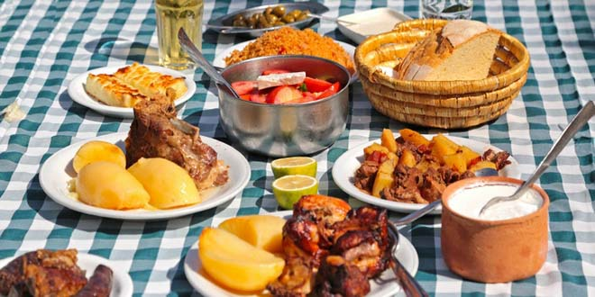 Мезе на Кипре — что это такое и с чем его едят