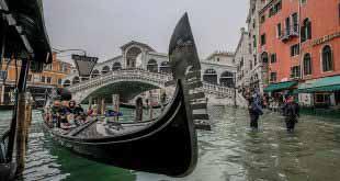 Россияне скинулись на восстановление подтопленной Венеции 5