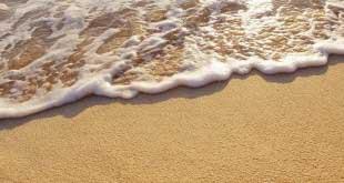 Ученые: песок на пляже представляет опасность
