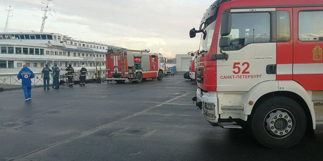 В Петербурге на круизном теплоходе заживо сгорел механик, интуристы не пострадали