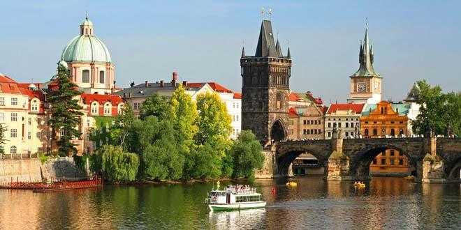 Отели Чехии пошли на снижение цен для российских туристов