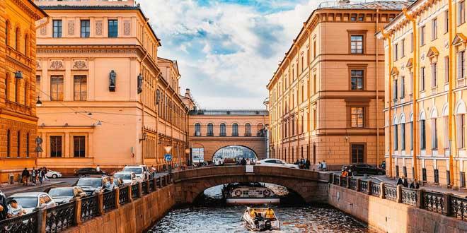 Петербург: интуристов больше, чем россиян
