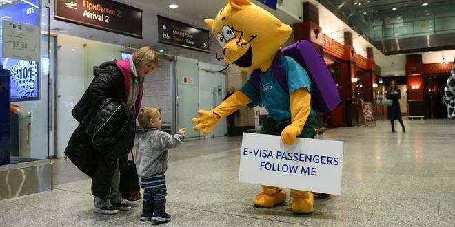 По электронным визам едут в основном эстонцы, многих туристов на границе разворачивают