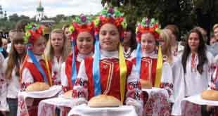 Россияне считают себя самыми гостеприимными, иностранцы думают иначе