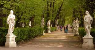 Летний и Михайловский сады в Петербурге откроют для посетителей в начале мая