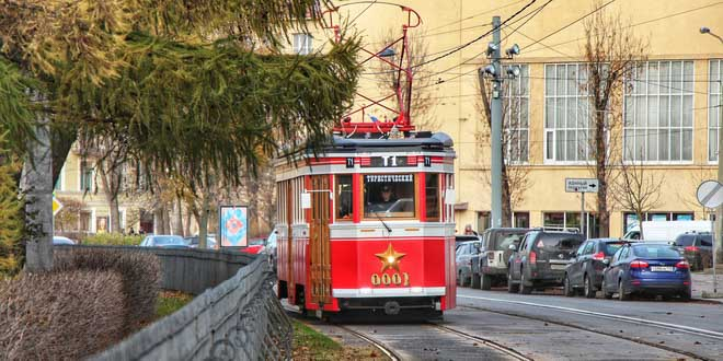 """В Петербурге запустили """"Первый туристический трамвай"""" 1"""