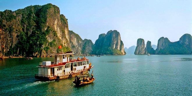 Медведев пообещал Вьетнаму восстановление турпотока: что думают специалисты?